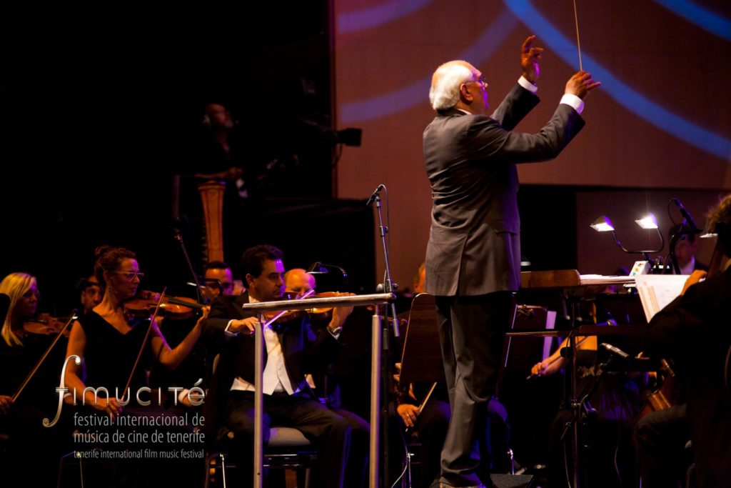 Trevor Jones conducting at Fimucité - (c) Fimucité
